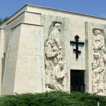 №82. с.Скравена – Паметник на Ботевите четници
