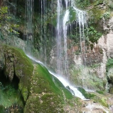 Крушунските водопади остават затворени до Април месец